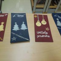 DI Hrastnik: Delavnica izdelovanja novoletnih voščilnic v Knjižnici Antona Sovreta